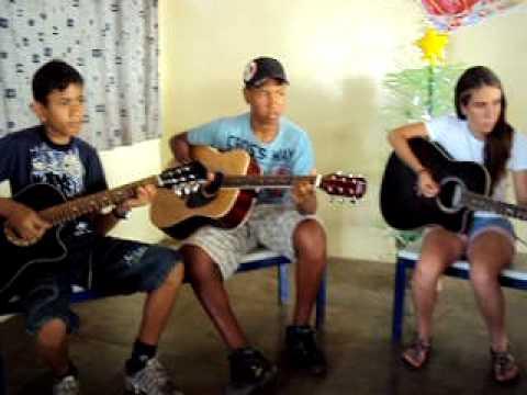 Aula de Violão na Escola da Família em Alvinlândia/SP