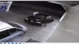 Nie odpuściła frajerom! Uparta babka vs dwóch typów próbujących ukraść jej auto!