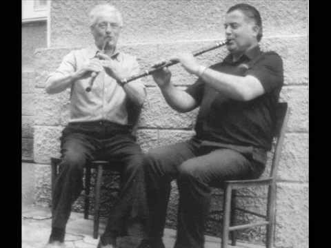 "Bulgarian kaval: Shtilian Tihov - Ovcharski melodii and pravo horo ""Trakiisko na poyas"""