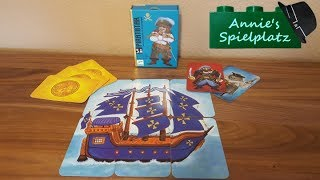 """Mit dem Kartenspiel """"Piratatak"""" von Djeco baut man sein eigenes Piratenschiff zusammen. Wem dies als erstes gelingt, gewinnt das Spiel! Kleine Piraten ab 5 Jahren können sich diesem Abenteuer stellen!Auf in den Kampf, Arr!!"""