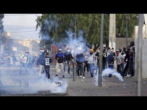 Τυνησία: Βίαιες διαδηλώσεις κατά της ανεργίας