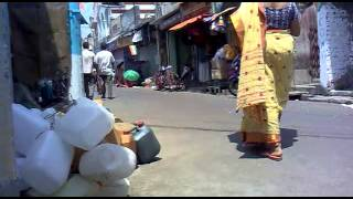 XxX Hot Indian SeX THIS VIDEO TAKEN FROM MUMBAI LOCAL ROAD .3gp mp4 Tamil Video