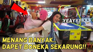 Download Video GAK NYANGKA BANGET BISA MENANG BANYAK DARI ELVIN CUPID & THE BIG ONE!! CLAW MACHINE ANI NURHAYANI MP3 3GP MP4