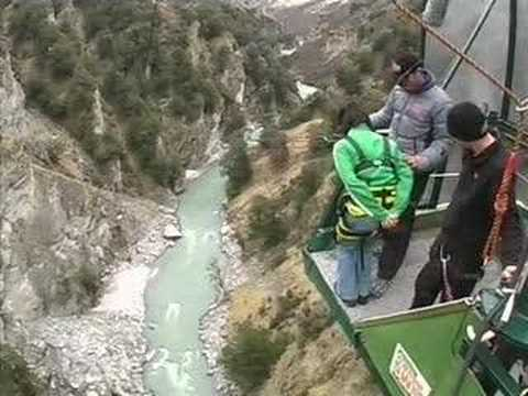 fry's canyon swing in queenstown new zealand