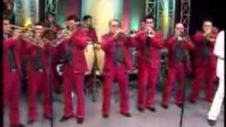 video y letra de Baila esta cumbia por Banda Rancho Viejo