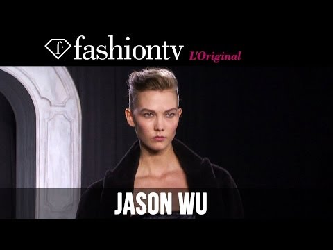 Jason Wu - http://www.FashionTV.com/videos NEW YORK - FashionTV is at the Jason Wu Fall/Winter 2014-15 show at New York Fashion Week. It's no wonder Michelle Obama is a...