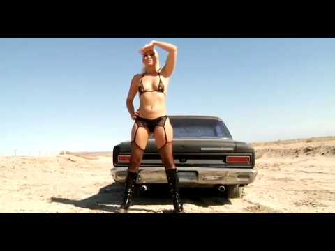 ★ Anikka Albrite (Wanders the Desert in her slutty Outfit) (видео)