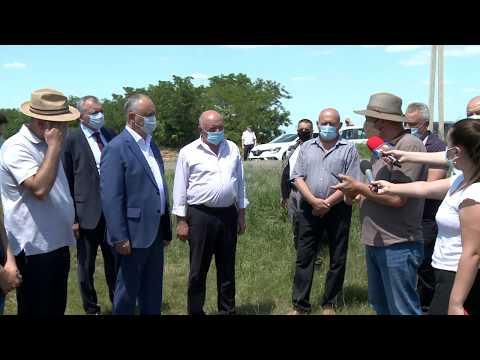 Igor Dodon a vizitat două întreprinderi agricole din satul Valea Perjei, raionul Taraclia