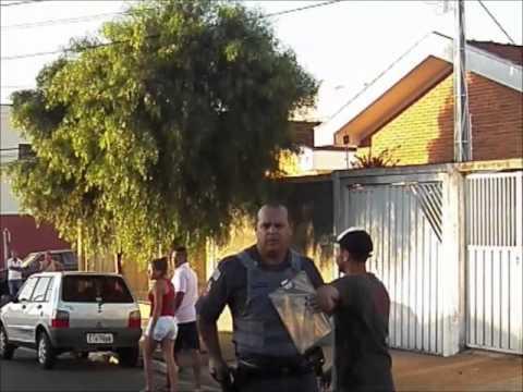 Populares tentam linchar assassino de mulher