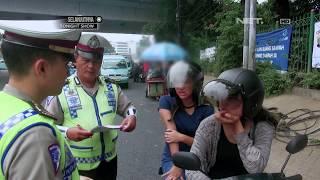 Video Sekumpulan Ojek Online Mengajak Polisi Berfoto Saat Sedang Bertugas - 86 MP3, 3GP, MP4, WEBM, AVI, FLV Juni 2017