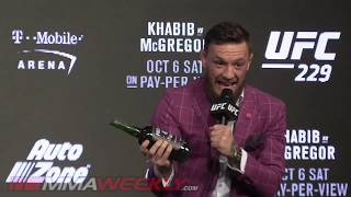 Video Conor McGregor Sneaks Whiskey Into the Press Conference (UFC 229) MP3, 3GP, MP4, WEBM, AVI, FLV Desember 2018