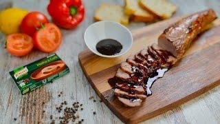 Tempere a carne com sal e pimenta preta.