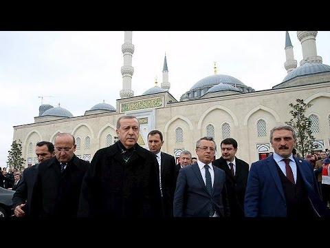 """Τουρκία-ΗΠΑ: Διπλωματικό """"πόκερ"""" για τους Κούρδους στη Συρία"""