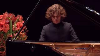 Gustav går videre til finalen af Aarhus International Piano Competition
