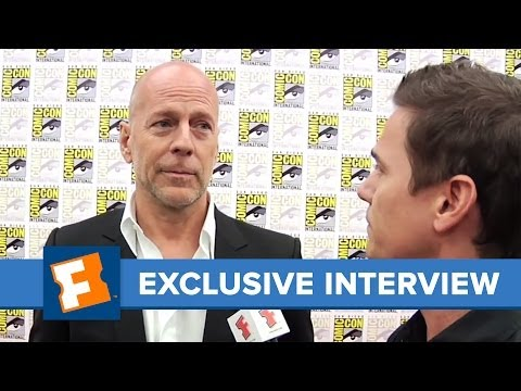 Red Bruce Willis Comic-Con 2010 Exclusive Interview | Comic Con | FandangoMovies
