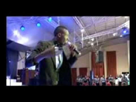 Comedian Akpororo leads praises in Church