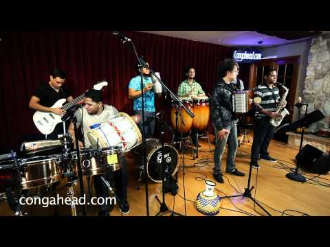 El Prodigio performs Periblues