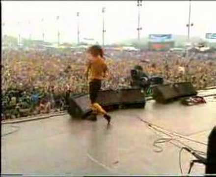 alive - Pearl Jam performing their classic hit