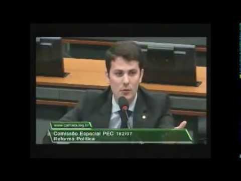 Deputado Marcelo Aro participa de debate sobre Reforma Política