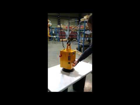 Manipulateur compact mono-ventouse avec commande de palan par poignée ergonomique