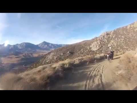 Riding Coyote Valley Rd in Bishop, CA 2014-11-08 (видео)