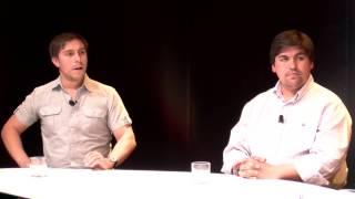 Álvaro Castañón y Cristóbal Saavedra conversan con Felipe Pozo