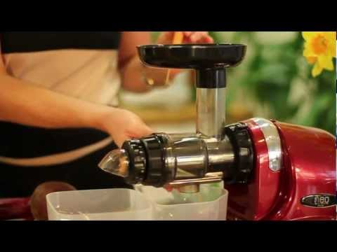 HU400 vertical vs Oscar Neo Horizontal cold press Juicer