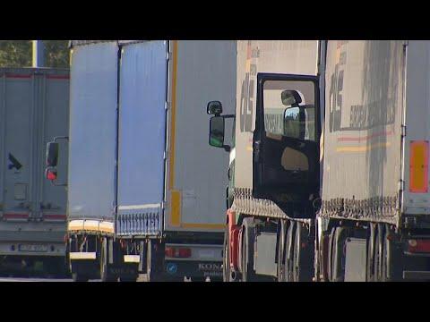 Μετανάστες βρέθηκαν ζωντανοί μέσα σε φορτηγό στο Βέλγιο…