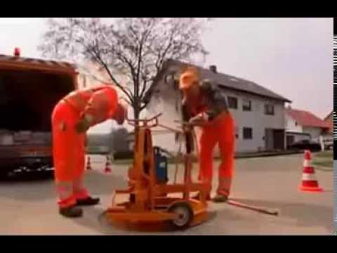 這簡直就是藝術!看看德國人是如何安裝下水道井蓋的!