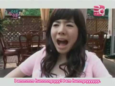(sunny) - Sunny's aegyo melts out hearts but sadly it doesn't work that way for the other SNSD members :)