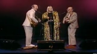 Download Lagu Peter, Paul and Mary - Puff, the Magic Dragon (25th Anniversary Concert) Mp3