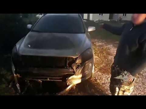 Поджигатель облил машину бензином и сам чуть не сгорел