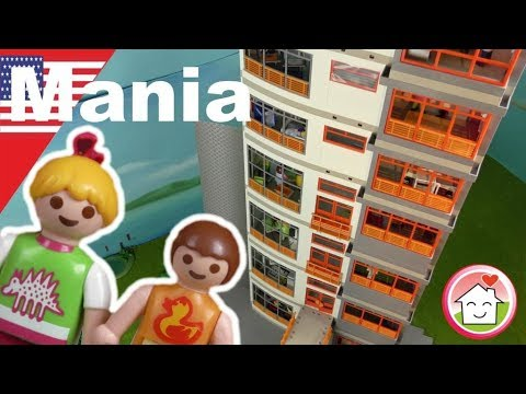 Playmobil english The Hauser Family's Mega Hospital - PLAYMOMANIA