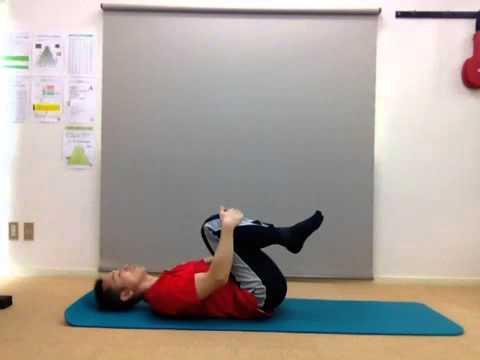 自宅でできる腰痛予防ストレッチ体操 膝かかえポーズ