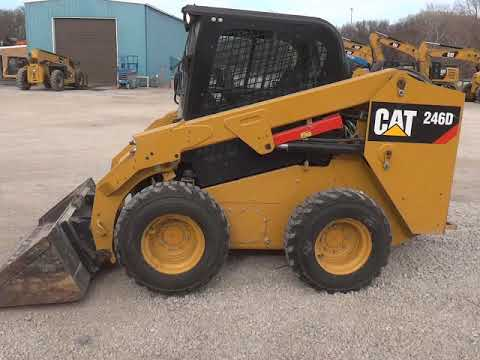 CATERPILLAR CHARGEURS COMPACTS RIGIDES 246DSTD1CA equipment video VgrKOKyf9lQ