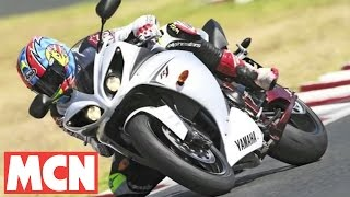 6. MCN Roadtest:  2009 Yamaha R1 tested