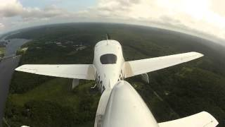 Cirrus SR-20 Poweroff emergency landing practice to short field