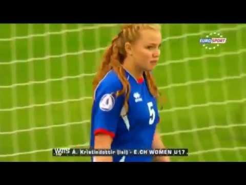 Penjaga Gol Perempuan Yang Paling Lawak