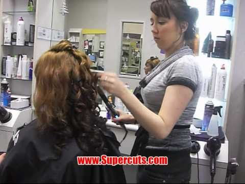 Carolyn Monroe visits Supercuts to get her hair styled! (видео)