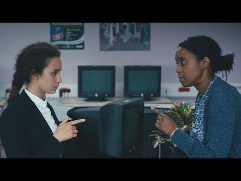 Divines (2016) school scene (english-subtitles)