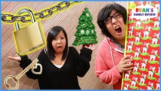 Toy Master Escape the Christmas Box Fort Maze Room Challenge!!!