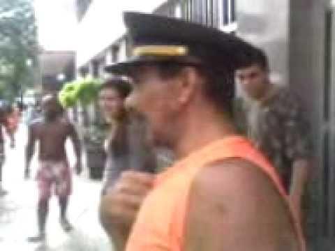 com um bebado em laranjeiras no domingo de carnaval 2011