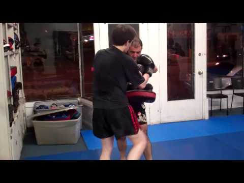 Muay Thai Redondo Beach | Kickboxing Manhattan Beach 310-376-1602