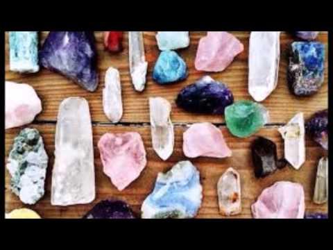 Explaining the Power of Crystals to Skeptics (видео)