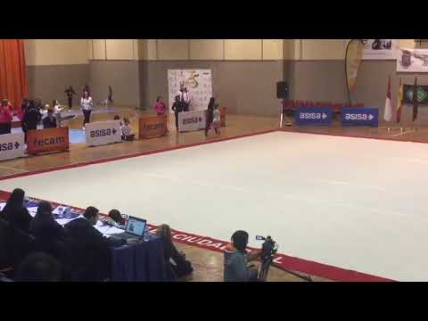 Watch video Sara en una competición de gimnasia rítmica
