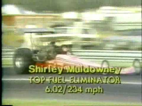 Shirley Muldowney scores first win