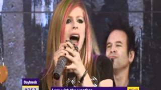 Avril Lavigne - What The Hell (At Daybreak) (Live) lyrics (Spanish translation). | You say that I'm messing with your head