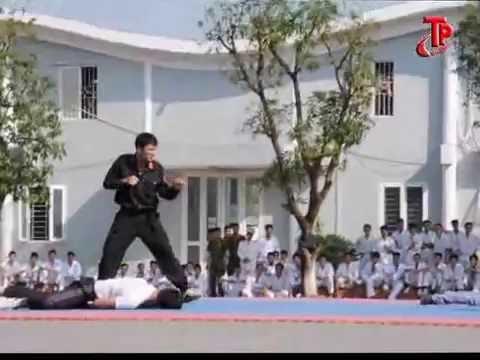 Học viên Cảnh sát biểu diễn võ thuật