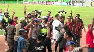 Video KERUSUHAN PERSIKA TERPARAH DI LIGA INDONESIA MP3, 3GP, MP4, WEBM, AVI, FLV Juni 2018