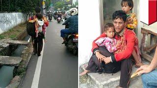 Video Kisah bapak gendong dua anak jalan kaki dari Jakarta ke Bone, ternyata??? - TomoNews MP3, 3GP, MP4, WEBM, AVI, FLV Desember 2017